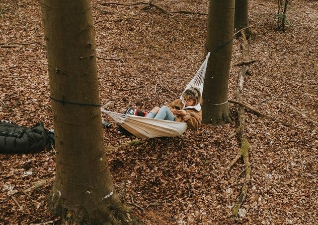 How To Stay Warm In a Hammock 1